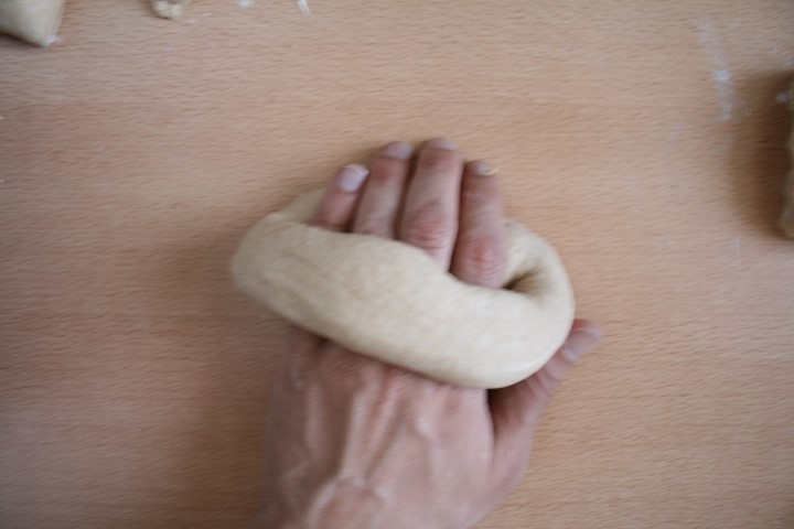 shaping roll for the bagel