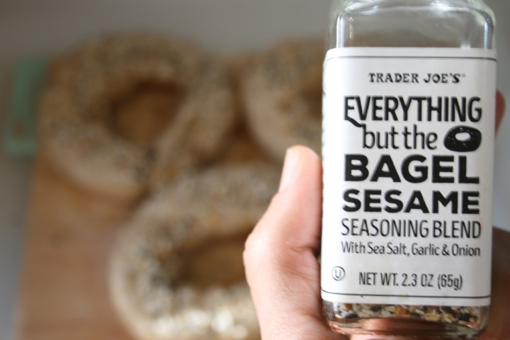 traders joes bagel seasoning