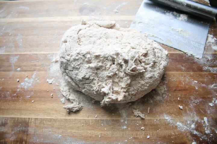 הבצק ללחם פירות יבשים