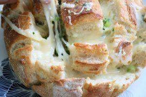 לחם גבינה לשבועות