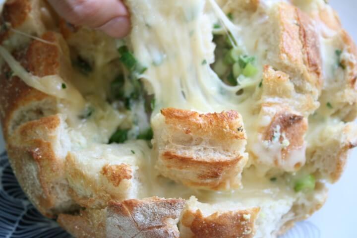 לחם גבינה מוכן לשבועות