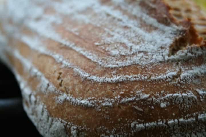 עיטורים על בצק הלחם מהסלסלה